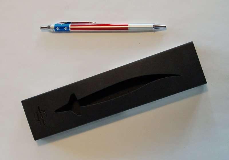 FISHER Space Pen mit Alugehäuse – rot